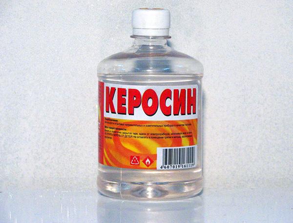 Могут применяться и различные пахучие жидкости, например, керосин.