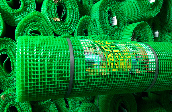 Пластиковая садовая сетка