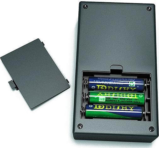Большинство эффективных ультразвуковых отпугивателей имеют достаточно большие размеры, а вот компактные приборы на батарейках зачастую малоэффективны.